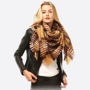 🆕 Beige Plaid Blanket Scarf
